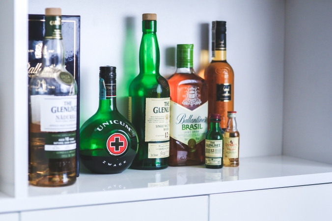 alcohol-bottles-drinks-party